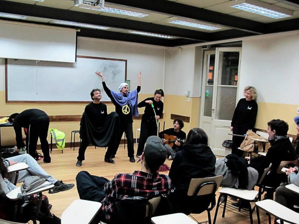Teatro Espontáneo en la Facultad de Psicología